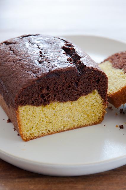 Saftiger Schuko-Pistazien-Kuchen aus der Kastenform