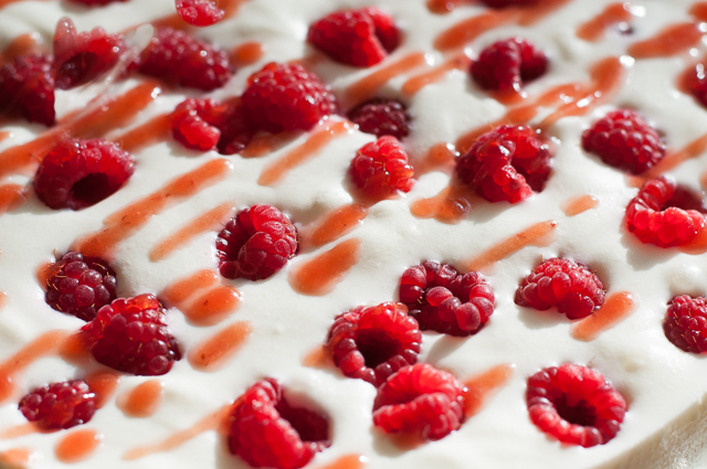 Himbeere-Buttermilch-Torte
