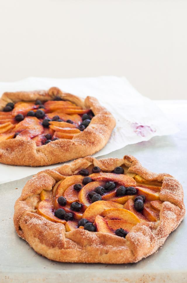 Fruchtige Pfirsichgalette